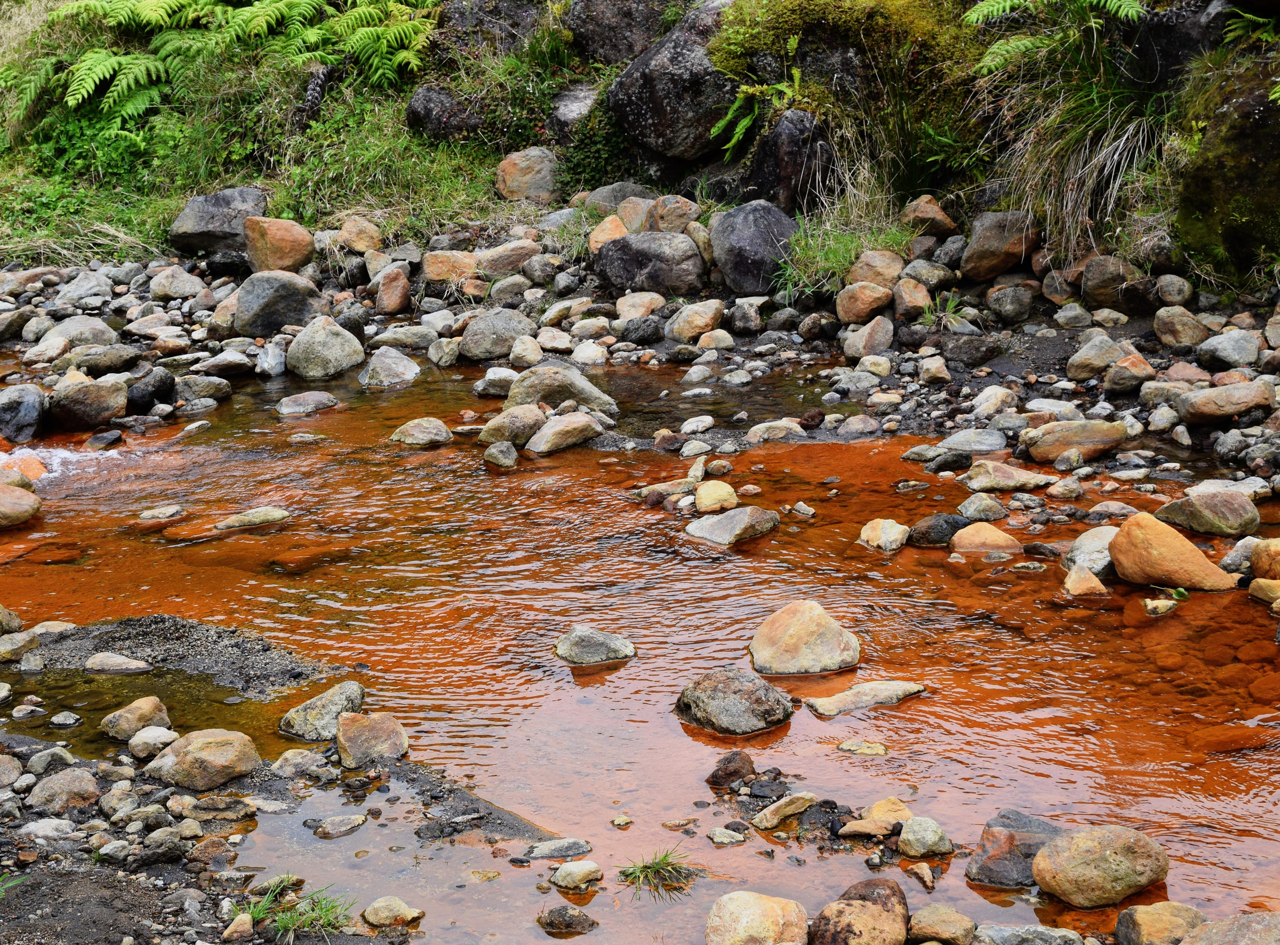 Eisenhaltiger Fluss