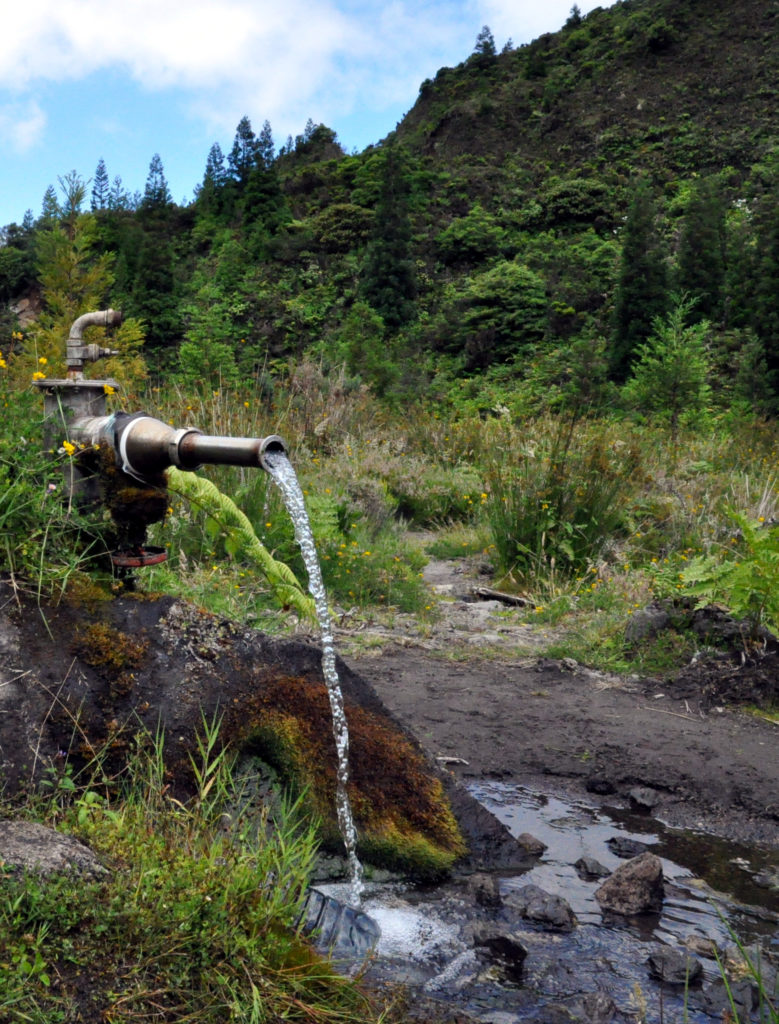 Mineralwasser aus dem Boden