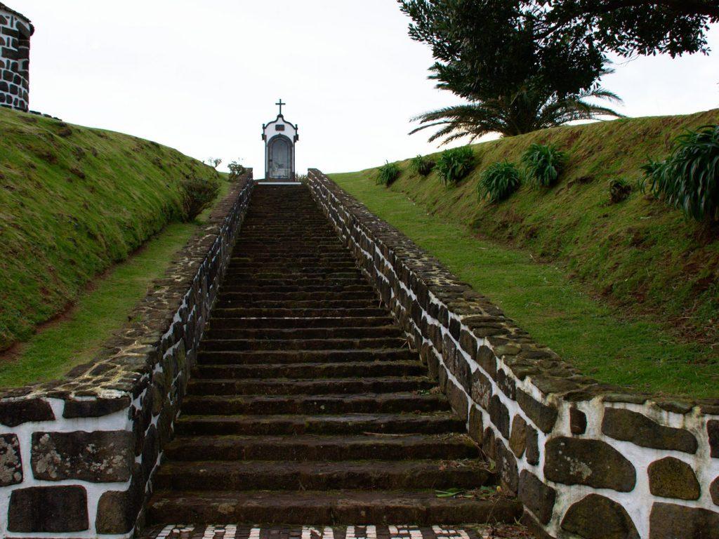 Steps leading to the Oratório de Nossa Senhora de Fátima