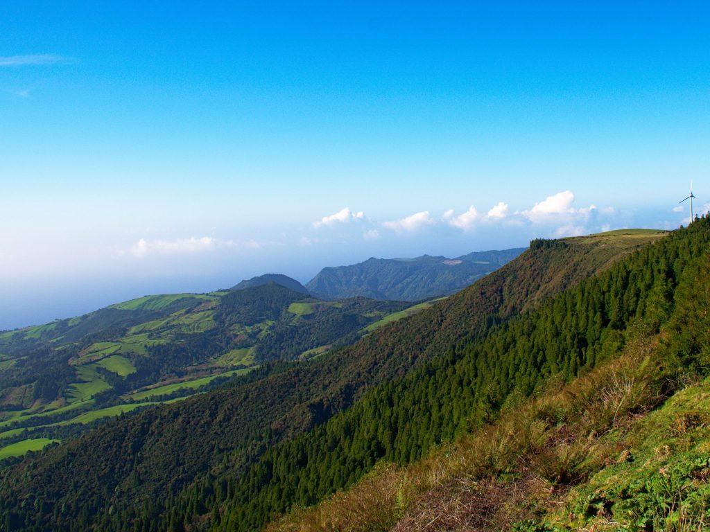 Southern coast viewed from the Miradouro do Pico da Vara.