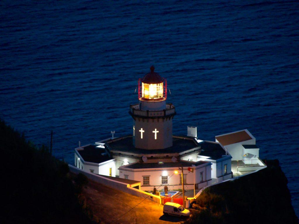 Farol Ponta do Arnel by night
